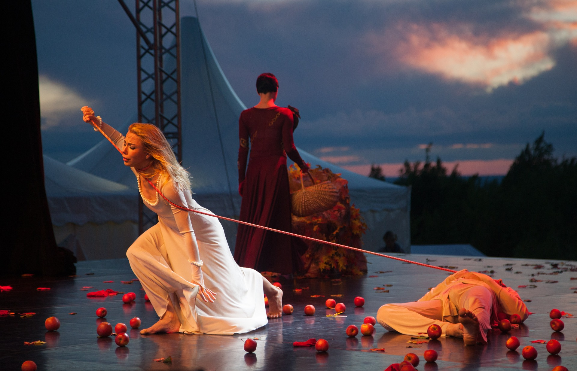 Image of A production of Romeo and Juliet.