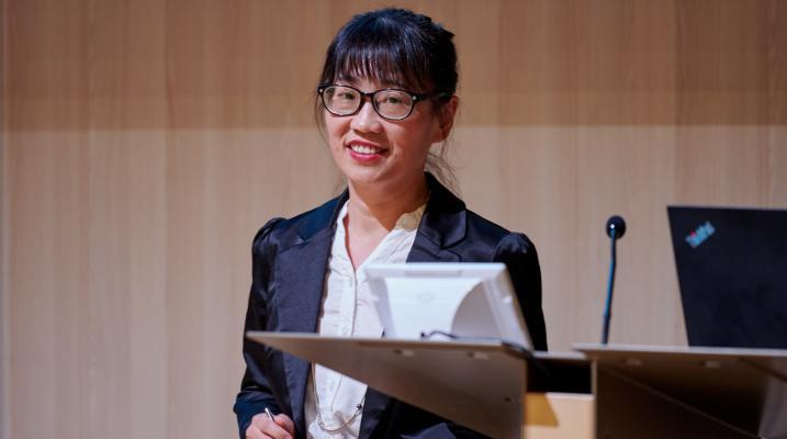 Photo of Dr Tian Hui presenting