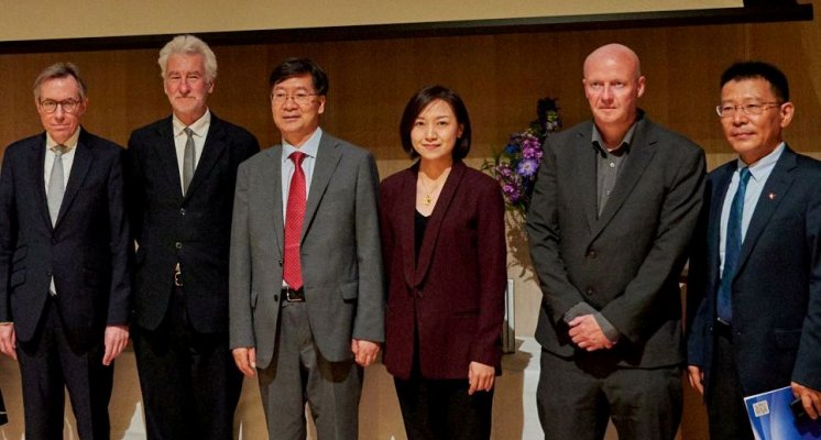 Photo of Routledge and CSSP colleagues with Professor Peter Nolan