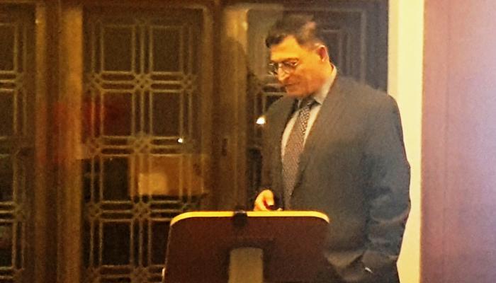 Photo of Professor Eyal Benvenisti delivering his lecture