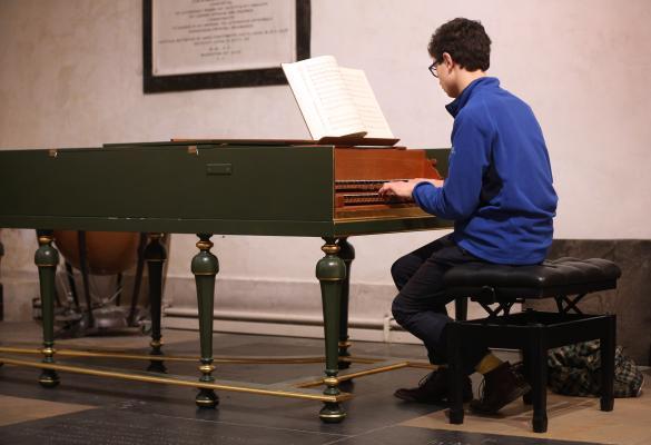 Jesus College Organ Scholar playing the Chapel harpischord
