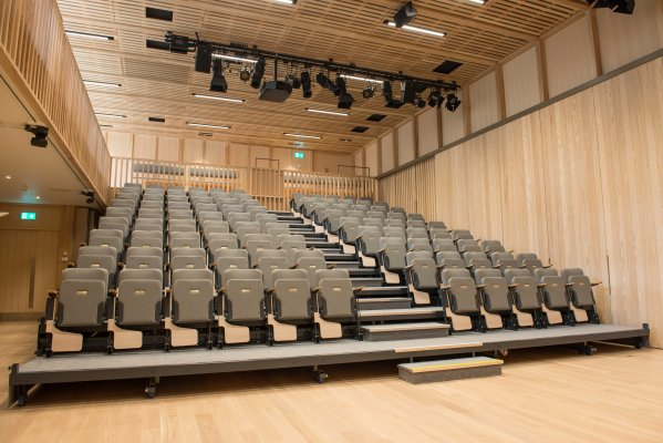 Lecture theatre standard layout