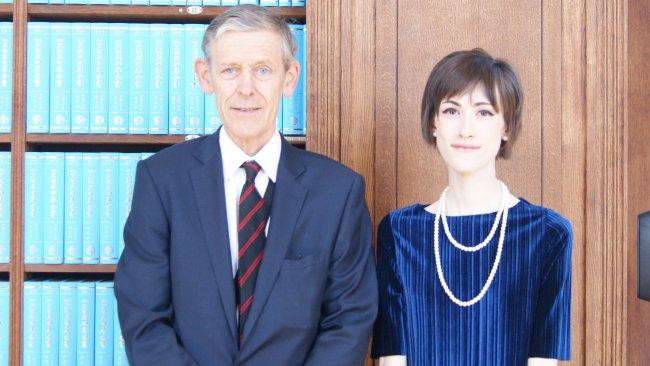 Image ofTeenagers receive prestigious Jesus College law prize from Supreme Court Judge