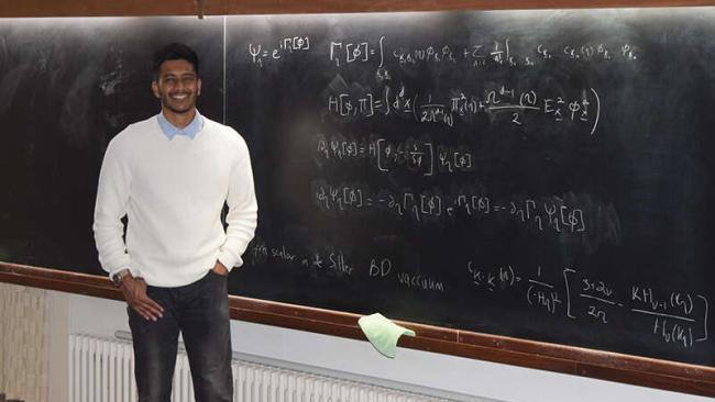 Image ofAyngaran Thavanesan awarded Institute of Physics innovative research scholarship