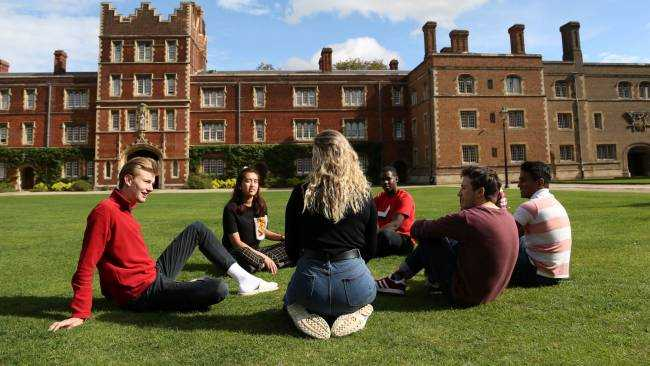 Image ofCambridge University bursaries boost academic outcomes and wellbeing