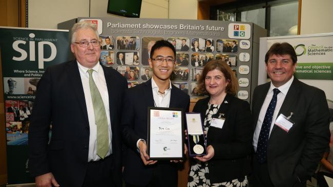 Image ofGraduate takes gold prize