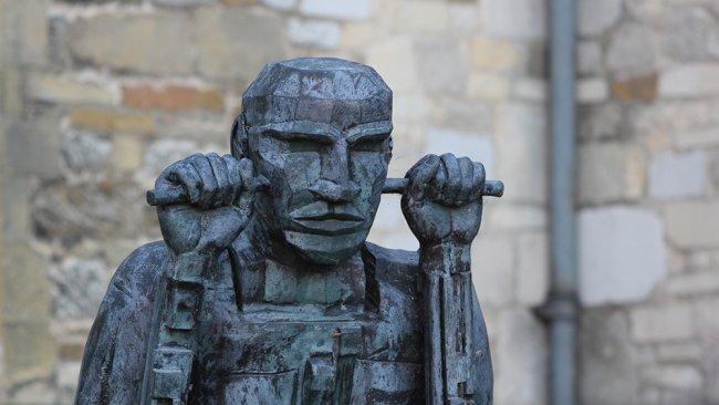 Image of Daedalus on Wheels: Bronze sculpture by Sir Eduardo Paolozzi 1994