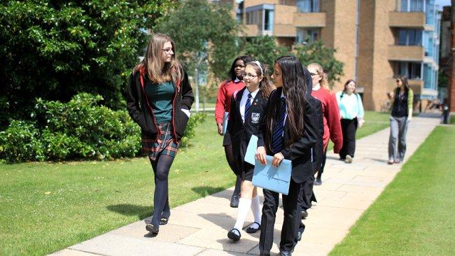 Image of School tour of Jesus College
