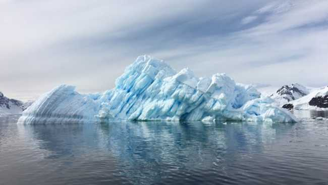 Image of Photograph of ice melt